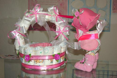 Подарки своими руками новорожденному из памперсов фото