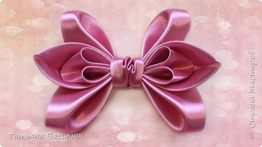 402954_kak_sdelat_bant_iz_lenty_dlya_volos._how_to_make_a_hair_bow (520x293, 28Kb)