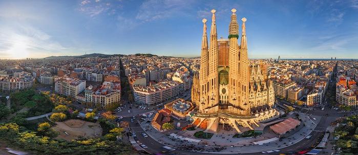 Barcelona-i-shedevry-Gaudi (700x303, 289Kb)