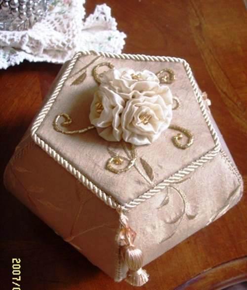 DIY-Beautiful-Pentagon-Cardboard-Jewelry-Box-2 (500x588, 36Kb)