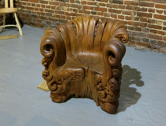 chair-carved-from-single-oak-stump-by-alex-johnson-7 (700x530, 367Kb)
