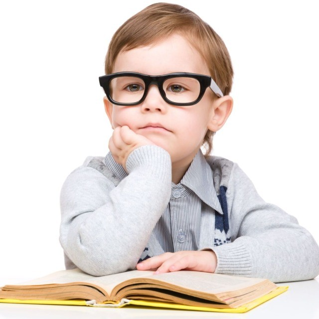 2-Boy-With-glasses-reading1-640x640 (640x640, 64Kb)