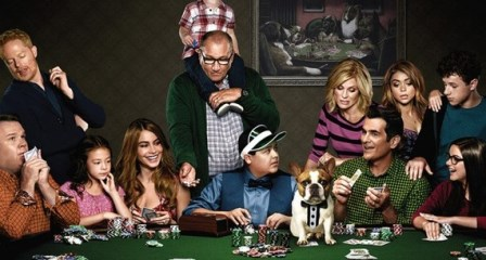 2015-09-08-1441734252-231712-ModernFamily-thumb (448x240, 44Kb)