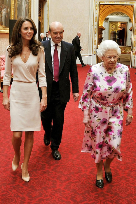 QueenKMiddleton_V_25jul11_getty_b_592x888 (466x700, 413Kb)