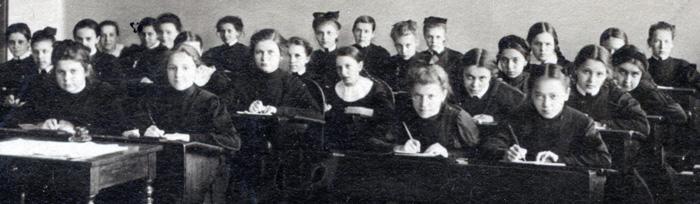 Александровская женская гимназия Санкт-Петербург/1455914728_F121005WEB (700x204, 67Kb)