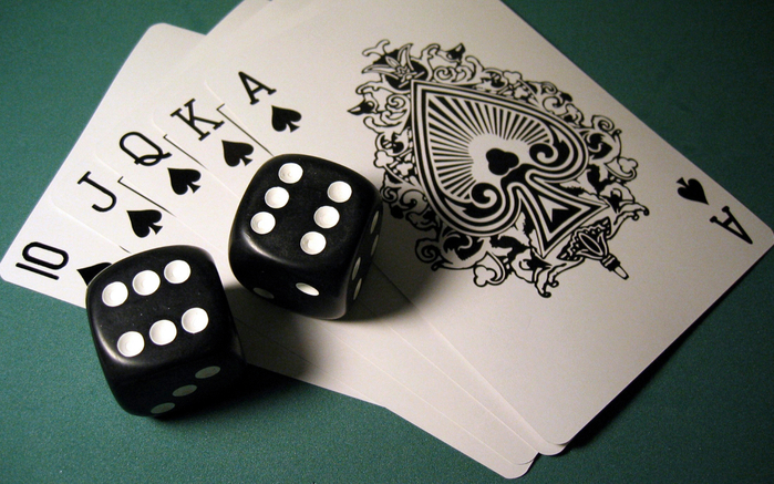 233976_poker_karty_piki_kombinaciya_royal_1920x1200_www-gdefon-ru_ (700x437, 412Kb)