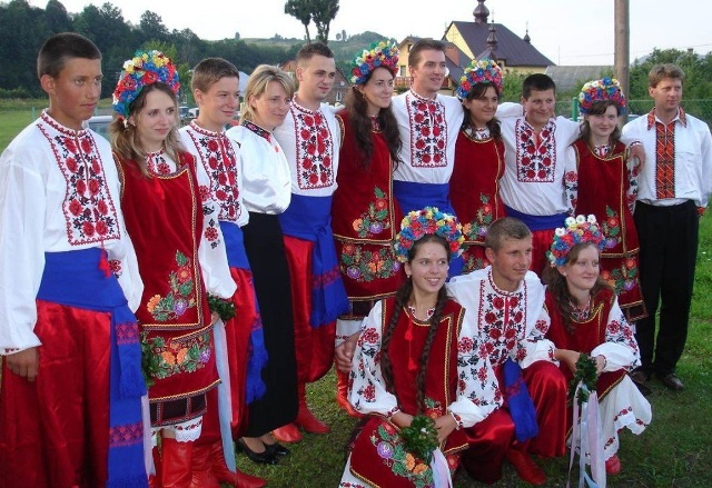 4947567_Narodi_projivaushie_v_Rossii_Ykrainci_135 (640x439, 151Kb)