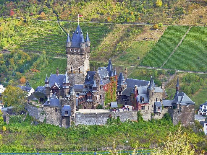 Замок Кохем под Райхсбургом. Германия. 86385