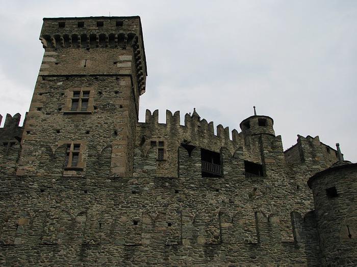 Итальянский замок Фенис (Castello di Fenis) 14837