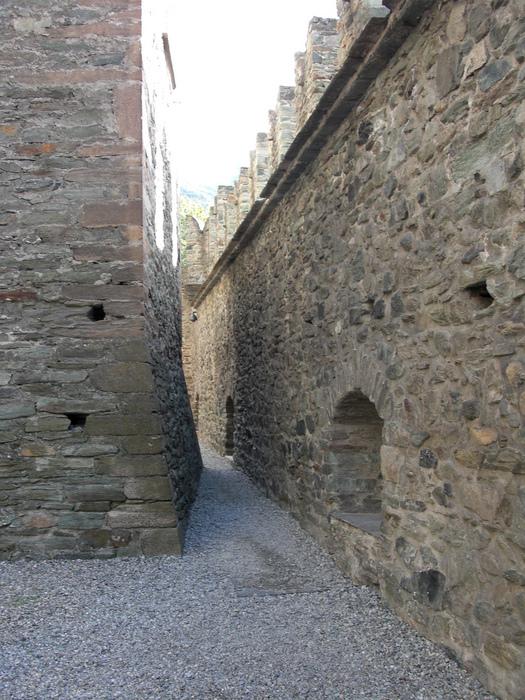 Итальянский замок Фенис (Castello di Fenis) 91524