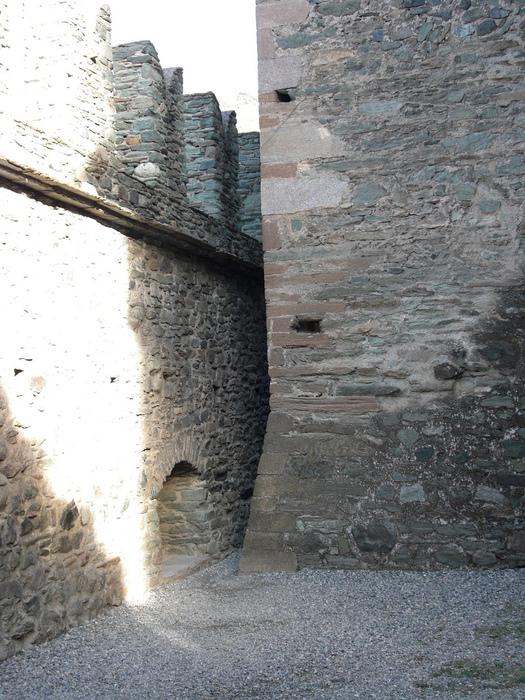 Итальянский замок Фенис (Castello di Fenis) 99811