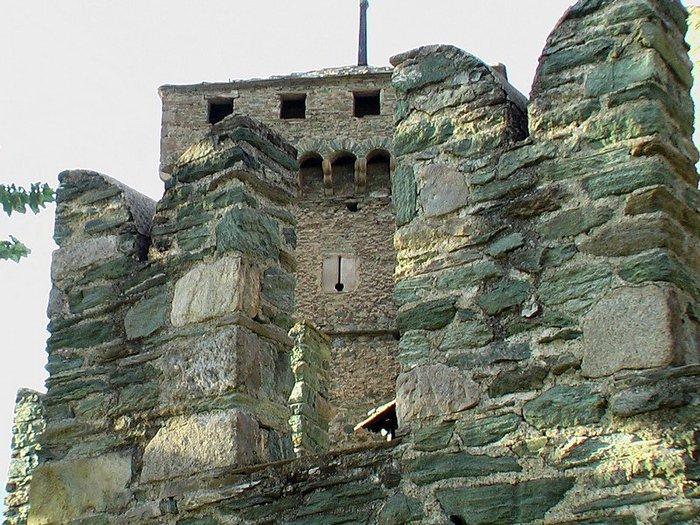 Итальянский замок Фенис (Castello di Fenis) 76624