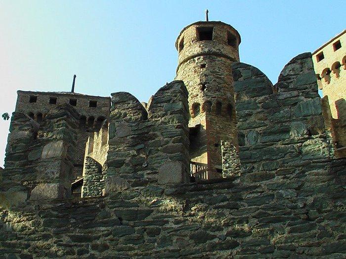 Итальянский замок Фенис (Castello di Fenis) 43537