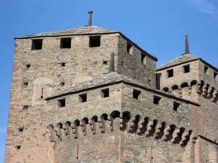 Итальянский замок Фенис (Castello di Fenis) 28301