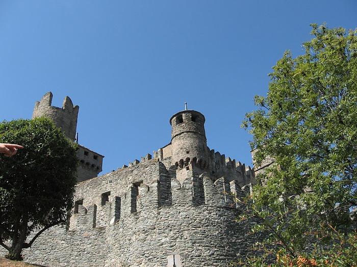 Итальянский замок Фенис (Castello di Fenis) 55119