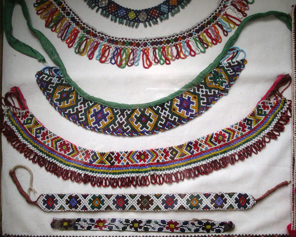 ukrainian ethnics – costume jewelry.