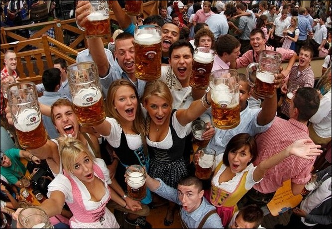 200 лет пивному фестивалю Октоберфест 23