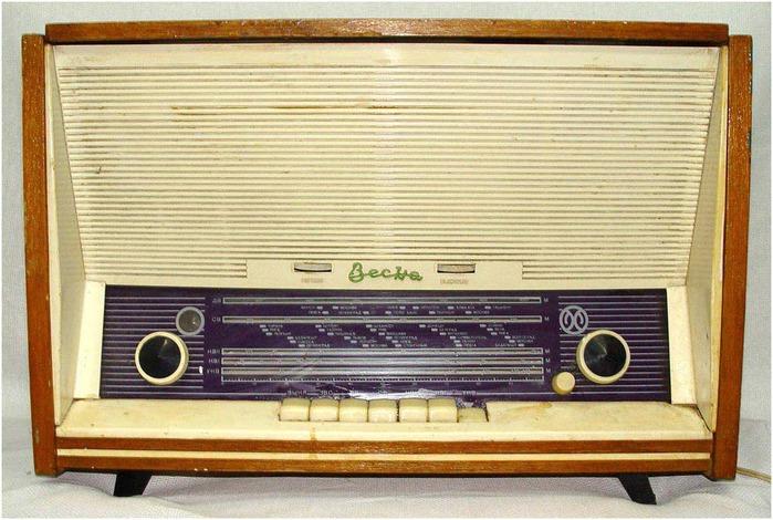 Настольная ламповая радиола 2