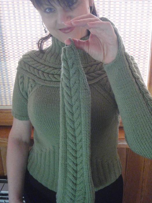 свитер с крагами