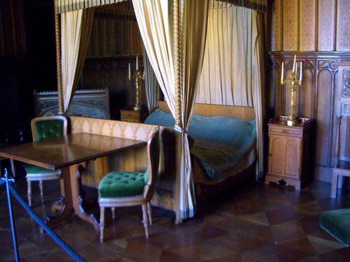Рейнская жемчужина -Замок Штольценфельс 44189