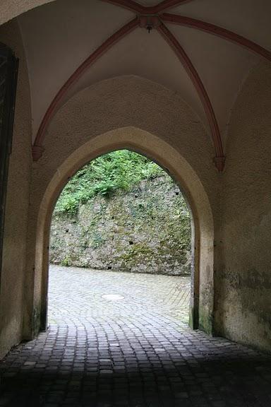 Рейнская жемчужина -Замок Штольценфельс 52640