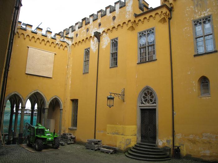 Рейнская жемчужина -Замок Штольценфельс 64116
