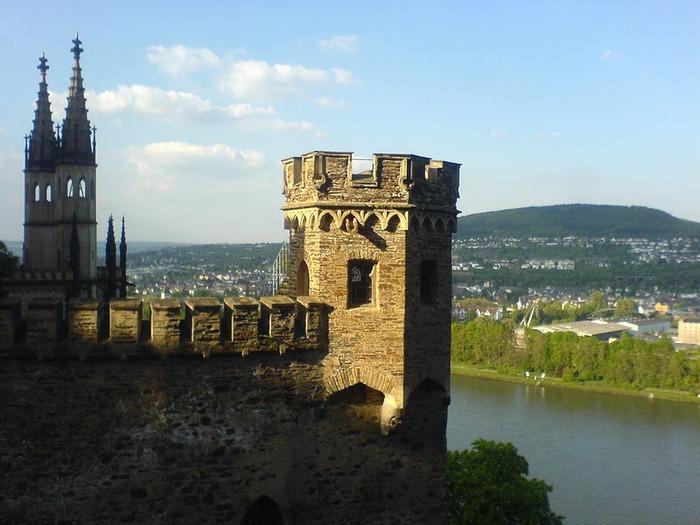 Рейнская жемчужина -Замок Штольценфельс 84342