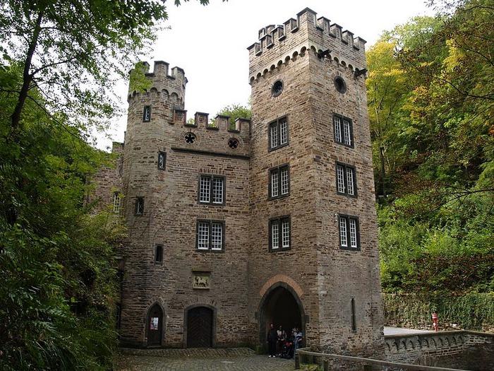 Рейнская жемчужина -Замок Штольценфельс 45121