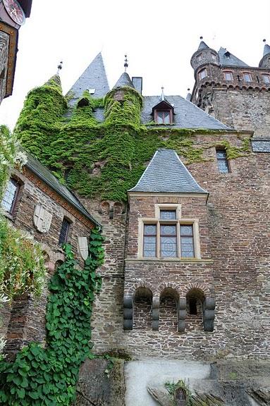 Замок Кохем под Райхсбургом. Германия. 13664