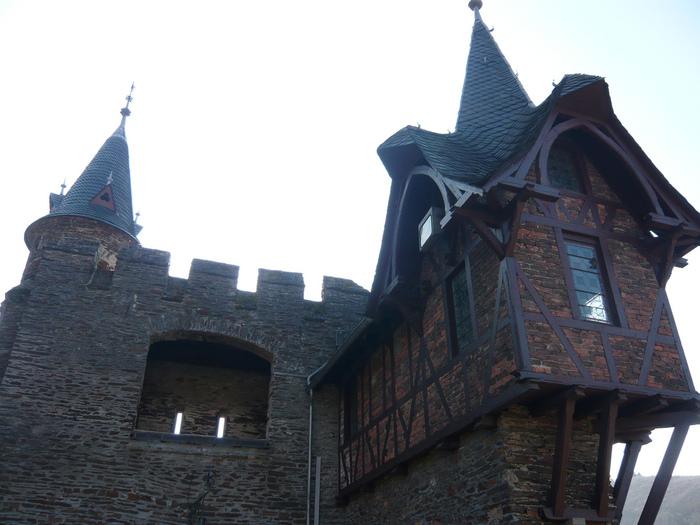 Замок Кохем под Райхсбургом. Германия. 85307