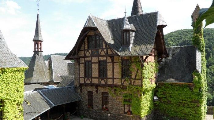 Замок Кохем под Райхсбургом. Германия. 35336