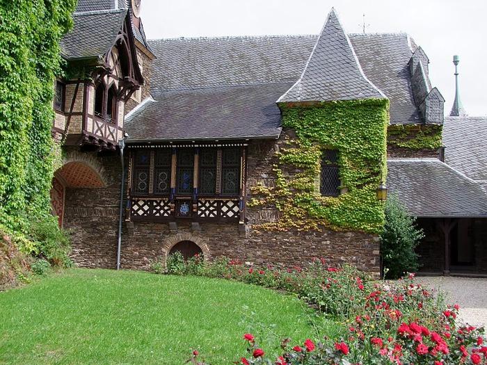 Замок Кохем под Райхсбургом. Германия. 33233