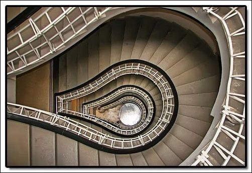 45 спиральных лестниц 8