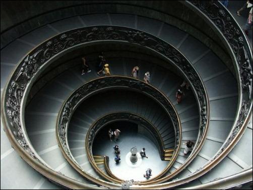 45 спиральных лестниц 12