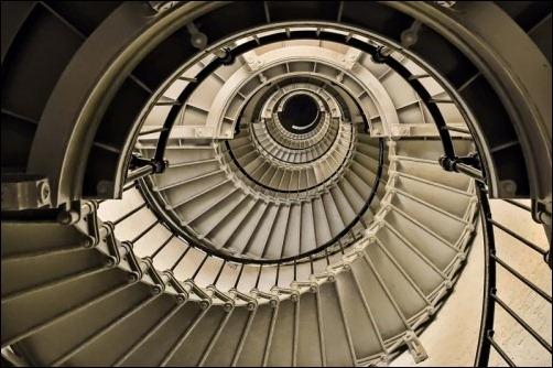 45 спиральных лестниц 17