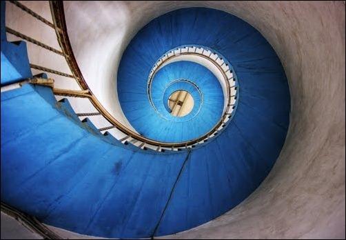 45 спиральных лестниц 19
