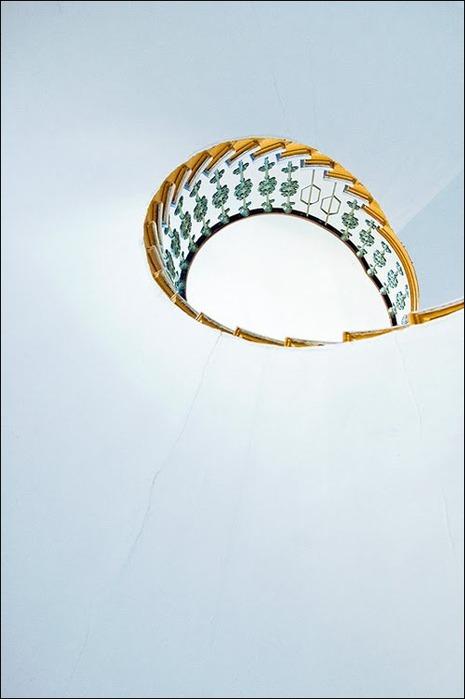 45 спиральных лестниц 36
