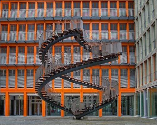 45 спиральных лестниц 38