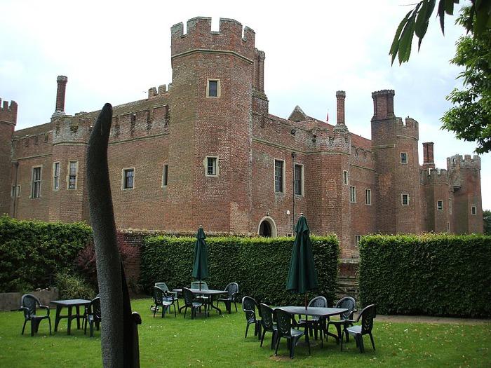 Замок Хёрстмонсо - Herstmonceux Castle 68016