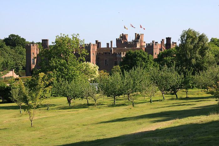 Замок Хёрстмонсо - Herstmonceux Castle 41336