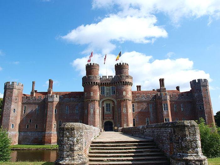 Замок Хёрстмонсо - Herstmonceux Castle 16546