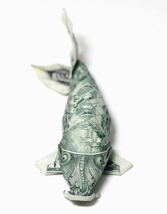 Оригами из долларов 65335781_1287152877_One_dollar_Koi__new_version_by_orudorumagi11