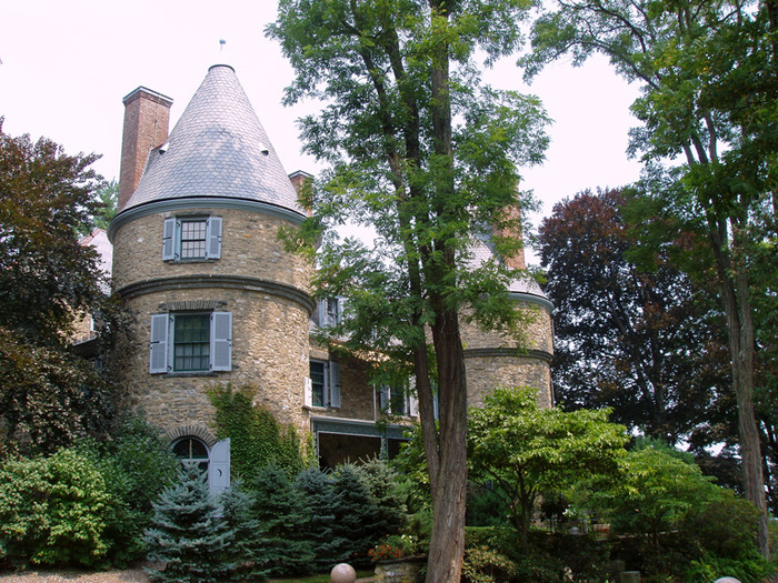Замок Грей Тауэрс в Гленсайде 28718