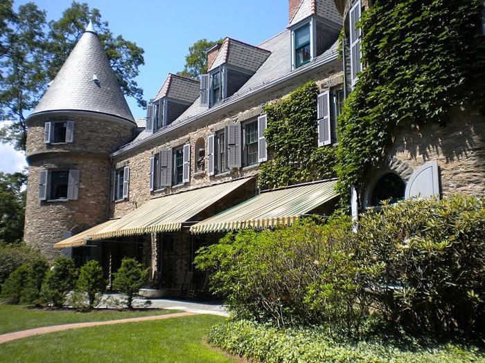 Замок Грей Тауэрс в Гленсайде 80796