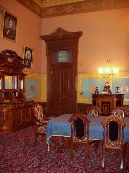 Замок Грей Тауэрс в Гленсайде 76967