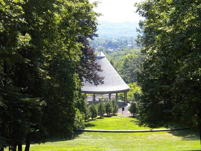 Замок Грей Тауэрс в Гленсайде 48940
