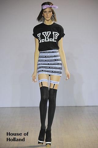 Черные чулочки и короткая юбочка фото 120-634