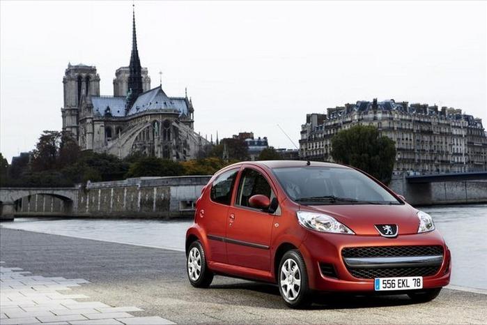 городской автомобиль Peugeot 107 5