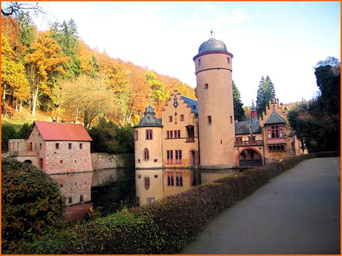 Замок Mespelbrunn. 26531