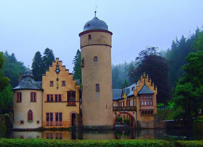 Замок Mespelbrunn. 51332